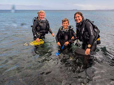 Diving for kids, children, PADI Bubblemaker, Dive College Lanzarote, Playa Blanca